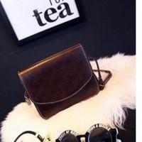 Túi xách nữ đeo chéo nắp cài TX8263-085