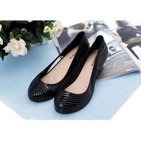 Giày nhựa đế cao thời trang hàng xuất khẩu