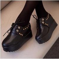 Giày bata bánh mì gót viền đinh