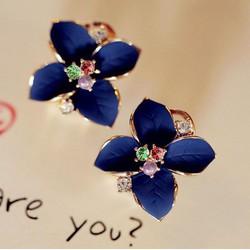 bông tai hoa xanh nhụy đá đa sắc kiểu dáng Hàn Quốc