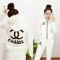 HÀNG LOẠI 1 : Bộ thun nón phối lông họa tiết Chanel