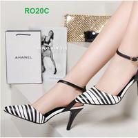 hàng thương hiệu - Giày cao gót sọc trắng đen ROSATA