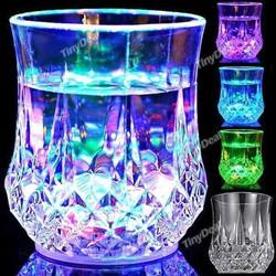 Ly thần kỳ  đỗ nước vào sáng đèn 7 màu