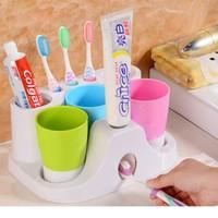 Kệ Để Bàn Chải Và Lấy Kem Đánh Răng + 3 Cốc Súc Miệng Gia Đình