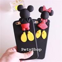Ốp Mickey Minnie trèo iPhone 5 5S
