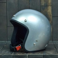 Mũ bảo hiểm Dammtrax màu bạc bóng