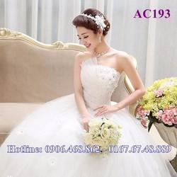 Áo cưới Hoa 3D cúp ngực AC193