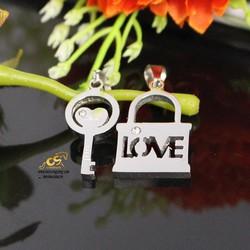 Mặt dây chuyền cặp ổ khóa trắng chìa khóa trắng