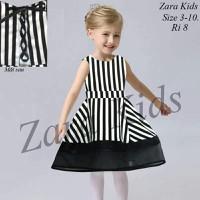 Zara sọc đen trắng