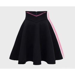 Chân váy xoè lưng chữ V cao cấp màu đen