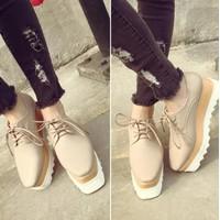 Giày đế bánh mì thời trang