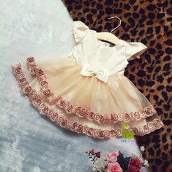 Đầm công chúa ren phối họa tiết màu da