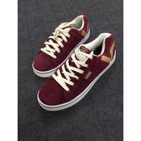 Giày thể thao nam màu đỏ đô BTN02