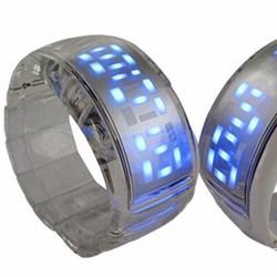 Đồng hồ led mặt dài đặc sắc