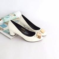 C025 giày Chimoka xuất gót viền và mũi đính kim loại