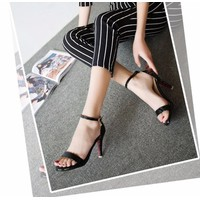 Giày sandal cao gót quai ngang da bóng
