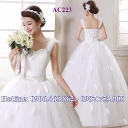 Áo cưới cô dâu xinh AC223