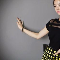 Áo voan nữ ngắn tay, thiết kế phối lưới cá tính, kiểu dáng Hàn Quốc.