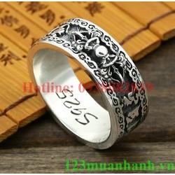 Nhẫn khắc Um Mani và Kim Cang Luân