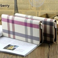 Ví BurBerry Giảm Giá Cuối Năm VT042