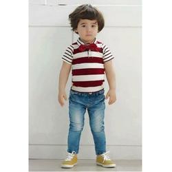 Áo thun sọc đỏ đính nơ phối quần jean NX031
