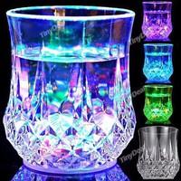 Cái ly thần kỳ đổ nước vào tự động lấp lánh 7 màu liên tục