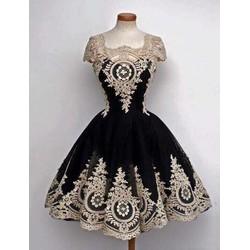 Đầm Xoè Ren Thêu Nhũ Vàng Y Hình