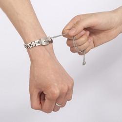 Vòng tay ổ khóa nam - Dây chuyền chìa khóa nữ Titan không đen