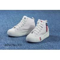 Giày bata cổ cao số 7 SA015