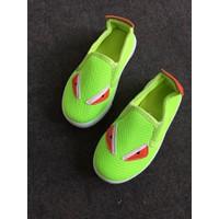 Giày slip on xanh dạ quang GBT31