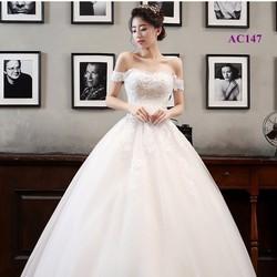 Áo cưới bồng bềnh trễ vai AC147