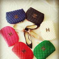 Túi đeo chéo Chanel