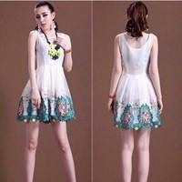 Đầm xòe đi tiệc họa tiết hoa nổi bật sát nách thời trang DZ335