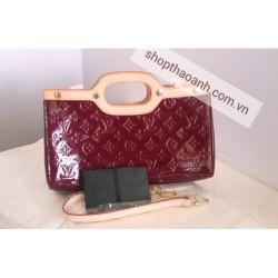 Túi xách Louis Vuitton Roxbury Drive M93569