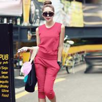 đồ bộ thể thao khoét lưng phong cách Hàn Quốc