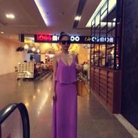 Váy maxi Ngọc Trinh với thiết kế hở lưng tuyệt đẹp DM48