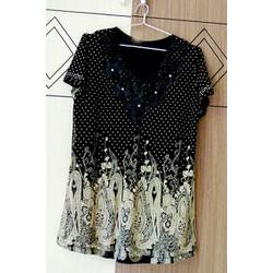 Áo kiểu đen bi trắng họa tiết màu kem tay ngắn AKRONG03-239