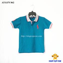 Áo thun viền cổ màu xanh
