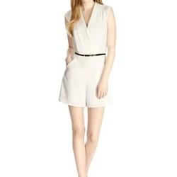 Jumpsuit lững Carla Boutique màu trắng