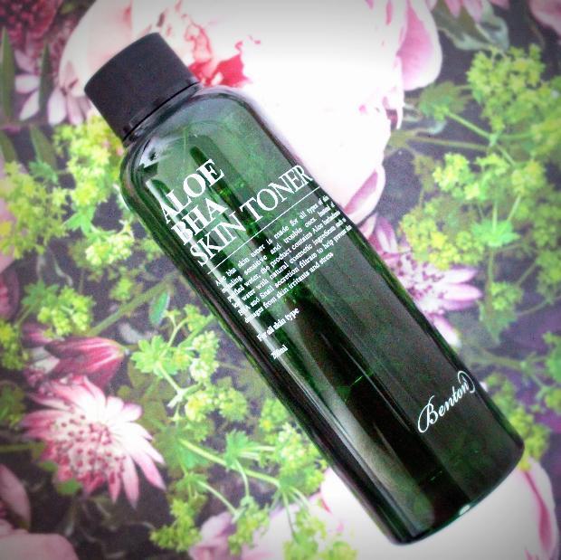 Nước hoa hồng Aloe BHA Skin Toner 1