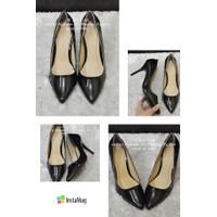 Giày cao gót mũi nhọn trơn đen - GX149