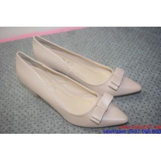 3085328404590342778574574 2ka6sp9ar2m7e simg 5acd92 320x320 maxb Phương pháp chọn lựa giày cao gót cần lưu ý