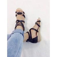 Giày sandals dây đôi