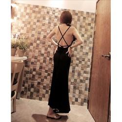 Đầm xòe dài hở lưng sau, xẻ tà