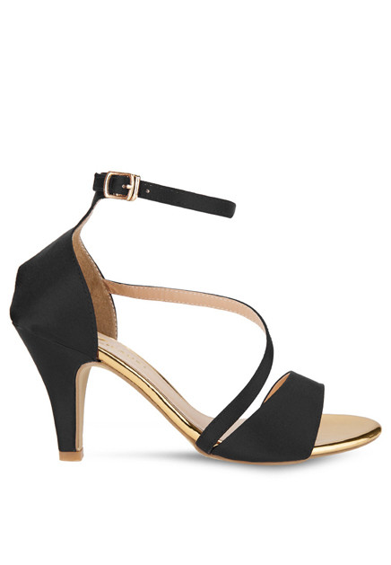 Sandal dây chéo 1
