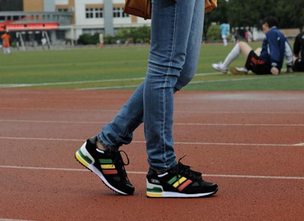 giay adidas giay adidas nu giay adidas gia re giay adidas hcm 1m4G3 1044189975563530788345076473843479143257 2kg23gq987s7g simg d0daf0 800x1200 max Ngoại hình sporty dành cho bạn trẻ 2015 với giày Adidas
