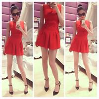 Đầm đỏ xòe đính nơ Ngọc Trinh