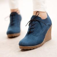 Giày boot đế xuồng duyên dáng