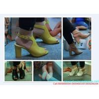 Giày cao gót HÀ HỒ hở mũi đế vuông CỰC HOT GCGN92