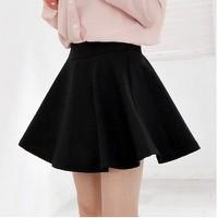 Chân váy ngắn xòe đen
